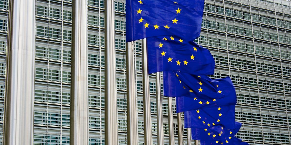 Zu Führerscheinprüfung auf Automatik hält sich EU bedeckt