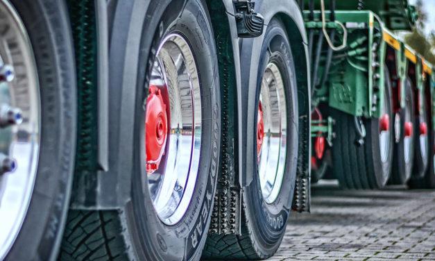 Winterreifenpflicht für schwere Lkw und Busse ab 1. November